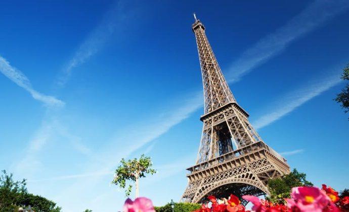 Dio stepenica Ajfelove kule prodate za pola miliona eura