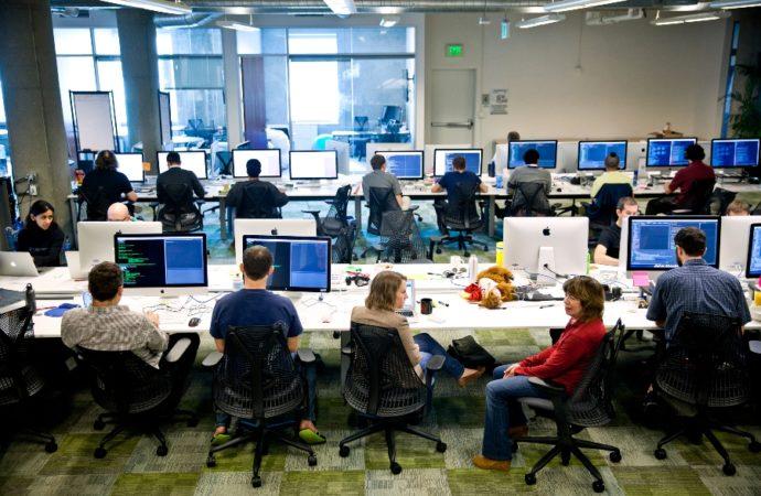 Kompanija čije radno vrijeme počinje tačno u 9.06