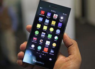 Kineski TCL kupio prava za pravljenje BlackBerry telefona