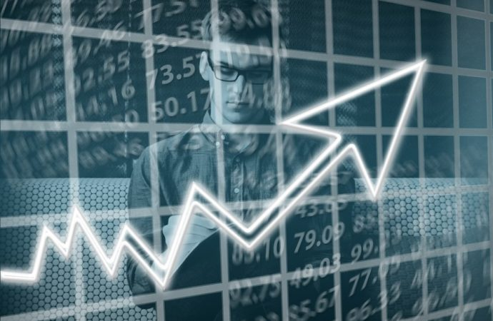 Evropske berze: Bankarski i naftni sektor podigli berze