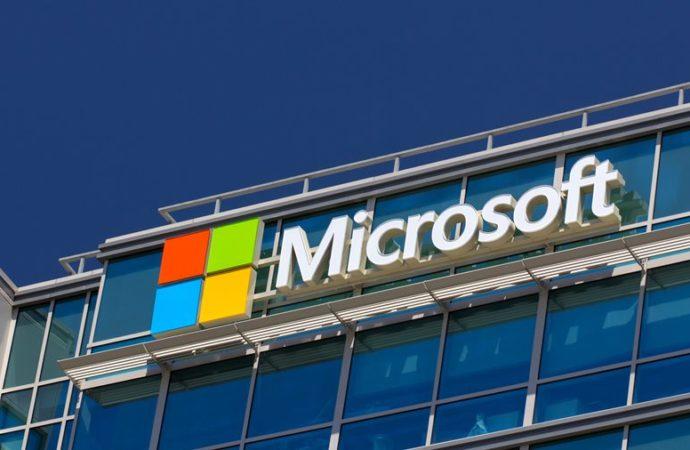 Windows sa desktopa stiže i na smartfone