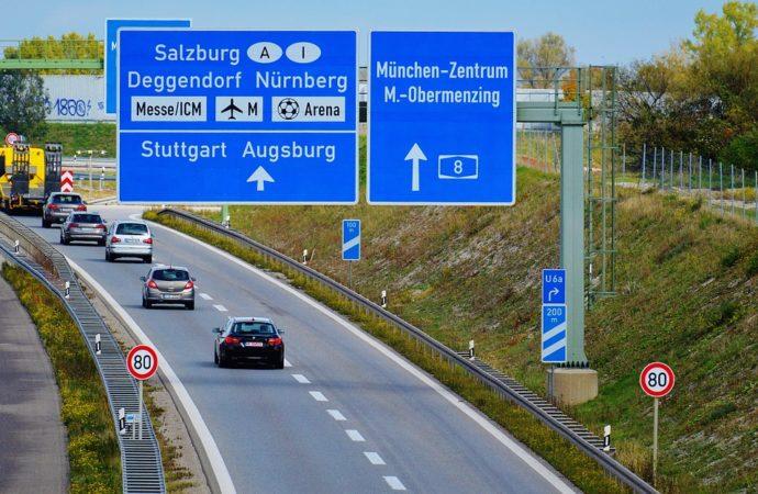 Njemačka uvodi vinjete: Za domaće vozače godišnja, za strance desetodnevna