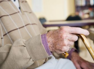 Broj penzionera u BiH brže raste od broja zaposlenih