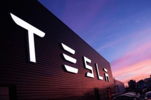 Blumberg: Tesla ostaje bez novca do kraja godine