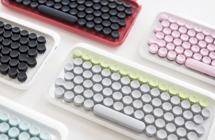 """Startap """"Lofree"""" dizajnirao tastature nalik na pisaće mašine"""