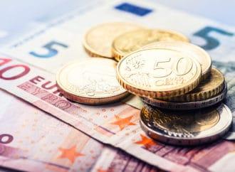 Euro blago ojačao prema dolaru, japanski jen dobitnik dana