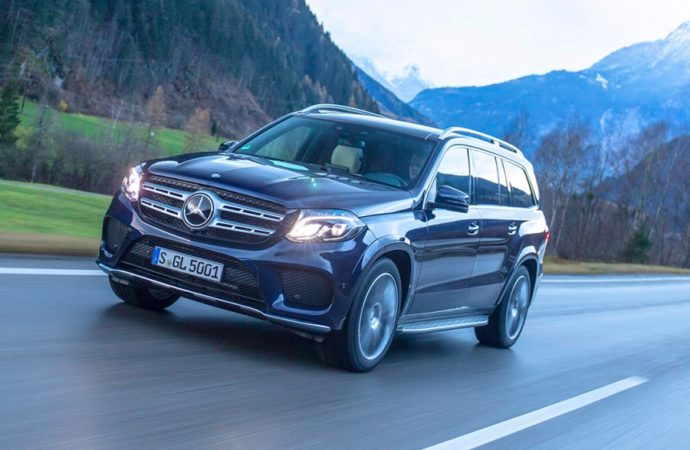 Mercedes povlači 48.000 vozila zbog problema sa senzorom za vazdušne jastuke