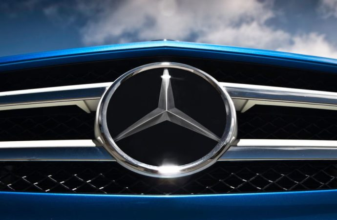 Mercedes se dijeli na dvije kompanije