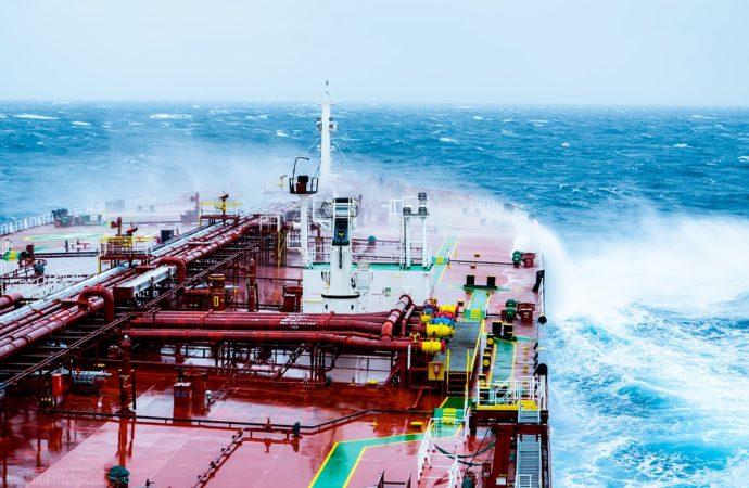 Prošle godine najveći rast cijene nafte od 2009.