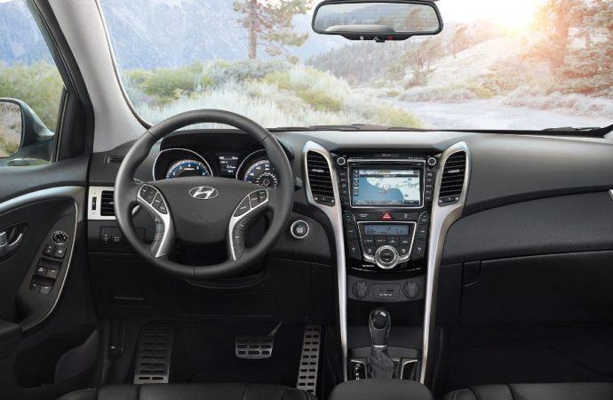 2017-hyundai-elantra-gt-ext-25-black-interior