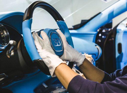 Zavirite u fabriku u kojoj se sklapa automobil od 2,4 mil. eura