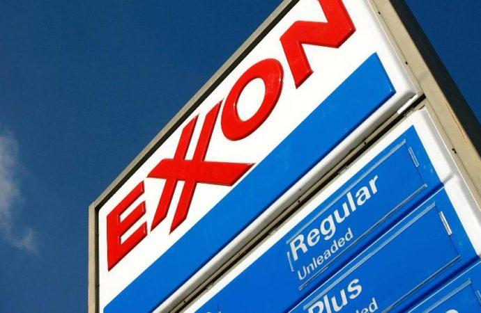 Dobit Exxon Mobila prošle godine više nego prepolovljena