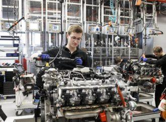 Mercedes nagrađuje svoje radnike sa po 5.400 eura