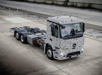 Mercedes prije Tesle lansira električni kamion