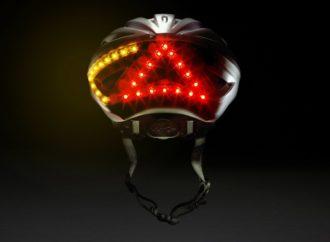 Pametna kaciga za bicikliste pokazuje kada kočite ili skrećete