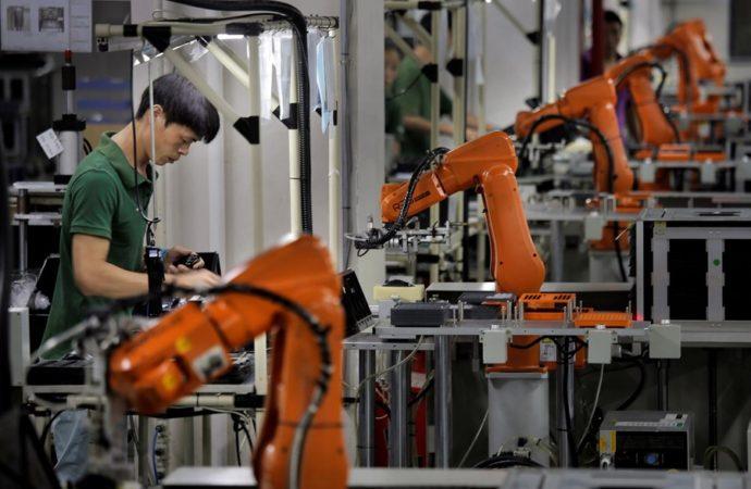 Roboti će zamijeniti 20 miliona ljudi u fabrikama do 2030. godine
