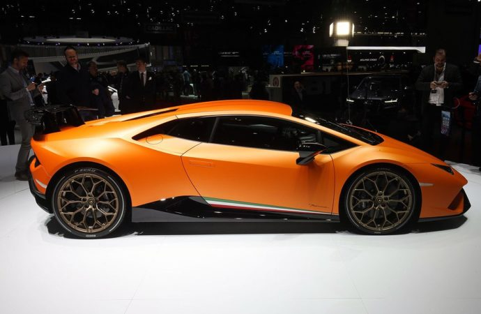 Lamborghini Huracan Performante1
