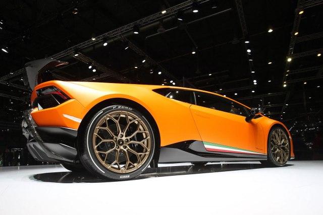 Lamborghini Huracan Performante4