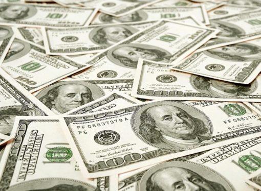 U opticaju puno novčanica od 100 dolara – sumnja na globalnu korupciju?
