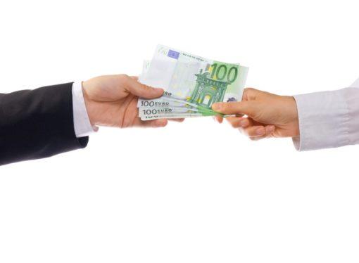 Skoro 5000 bankara u EU zaradilo najmanje million eura