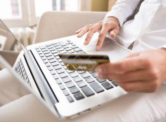 Dojče banka predviđa: Gotovina ostaje, plastične kartice će nestati