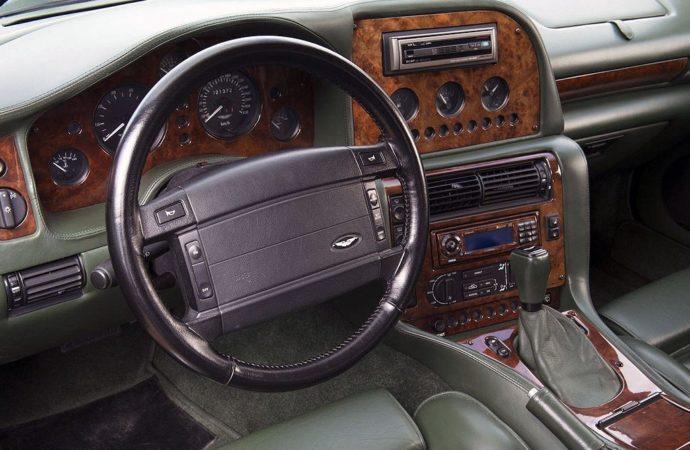 Aston Martin karavan2