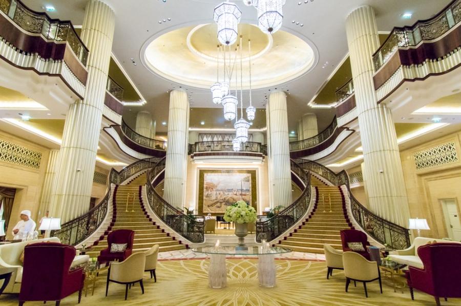 Lobi hotela St Regis Abu Dhabi