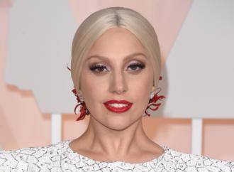 Lejdi Gaga glumi u filmu Bredlija Kupera