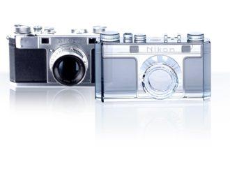 Novi Nikon sa svarovski kristalima povodom stogodišnjice