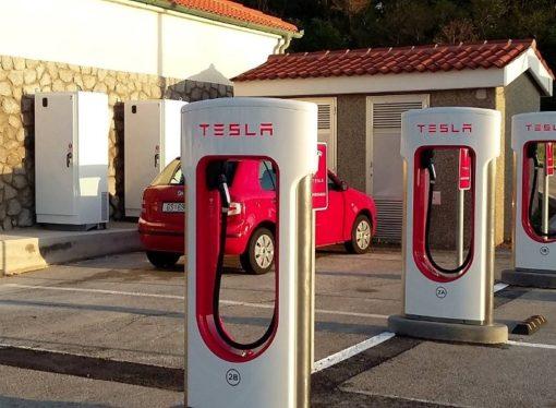 Tesla će preći magičnu cifru od 1.000 km