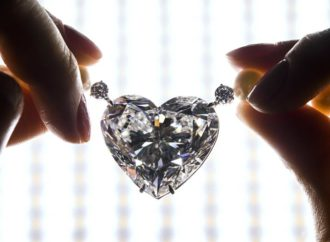 Dijamant-srce prodat za rekordnih 13 miliona franaka