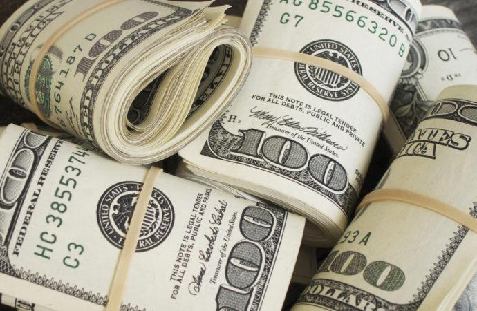 Dolar ojačao nakon tri nedelje pada