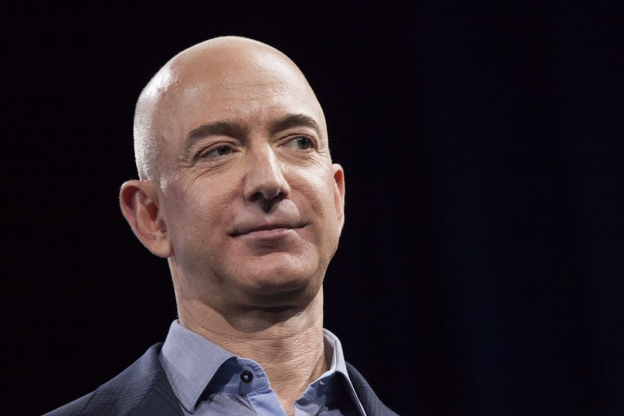 jeff-bezos-star-trek-alien