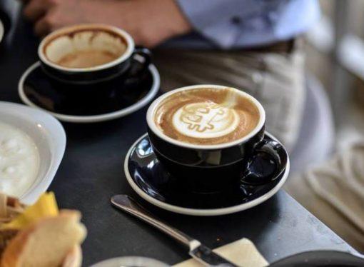 Praški kafić u kojem se ne plaća ni gotovinom ni karticama