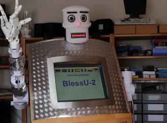 Pojavio se prvi robot-sveštenik, evo šta sve može