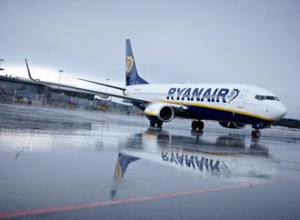 Dobit Ryanaira smanjena za trećinu zbog nižih cijena karata