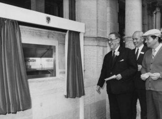 Prije pola vijeka postavljen prvi bankomat