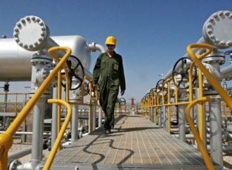 SAD neće poštediti sankcija nijednu državu koja kupuje naftu od Irana