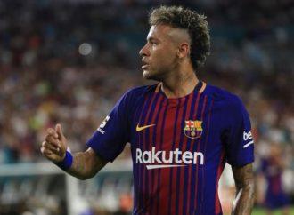 Nejmar saopštio saigračima da odlazi iz Barselone