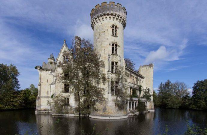 6.500 ljudi kupilo ruinirani dvorac i uložilo u njegovu obnovu