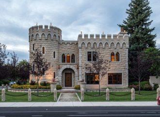 Gotički dvorac iz 2010. traži novog vlasnika