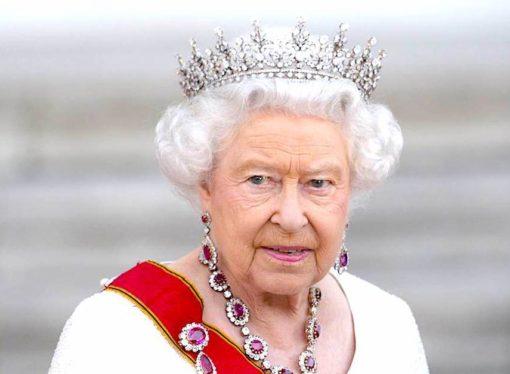 Kraljica traži konjušara: Dosta nudi, ali i očekuje