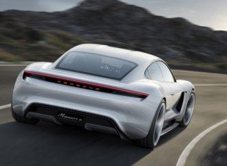 Porše duplira ulaganja u električne automobile