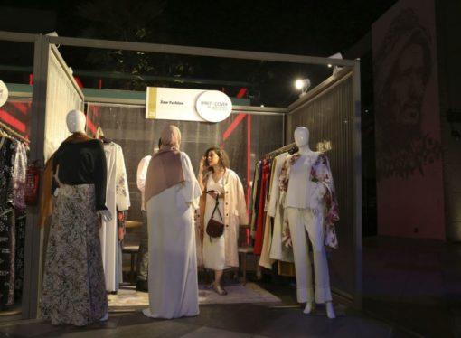 U Dubaiju održana modna revija bez piste i modela