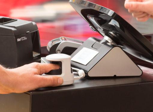 Mančester testni grad za plaćanje prepoznavanjem vena prstiju