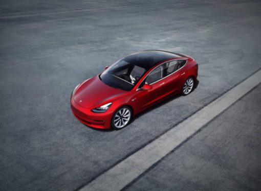"""Tesla """"izašao na crtu"""" najboljim sportskim limuzinama današnjice"""