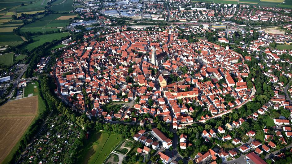 Nerdlingen – grad koji leži na 72.000 tona dijamanata – The PRESTIGE